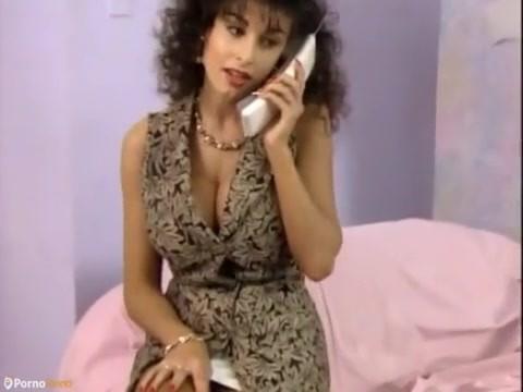 Young pornos sarah SARAH YOUNG