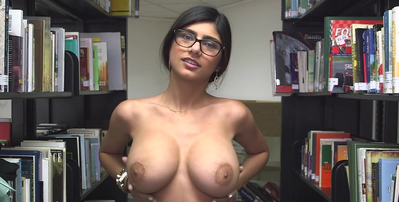 Mia khalifa nude ass hole Mia Khalifa Shows You Her Tits And Asshole In The Library Pornoreino Com
